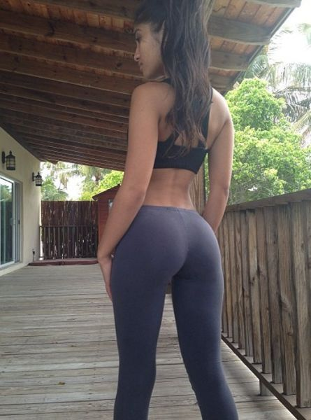 girl_in_tight_gymwear_14