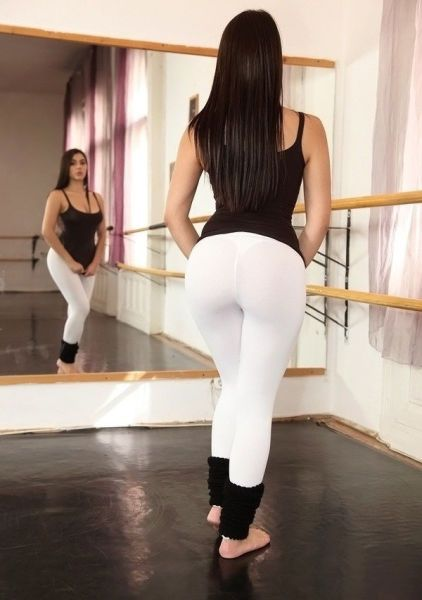 girl_in_tight_gymwear_40