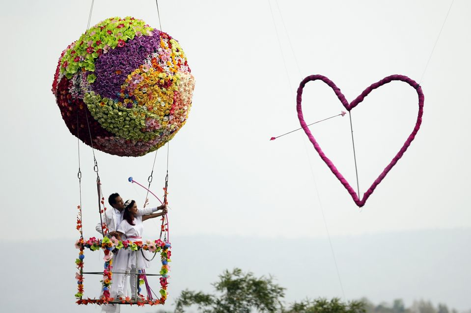Special Valentine Wedding Giant Flower Ball