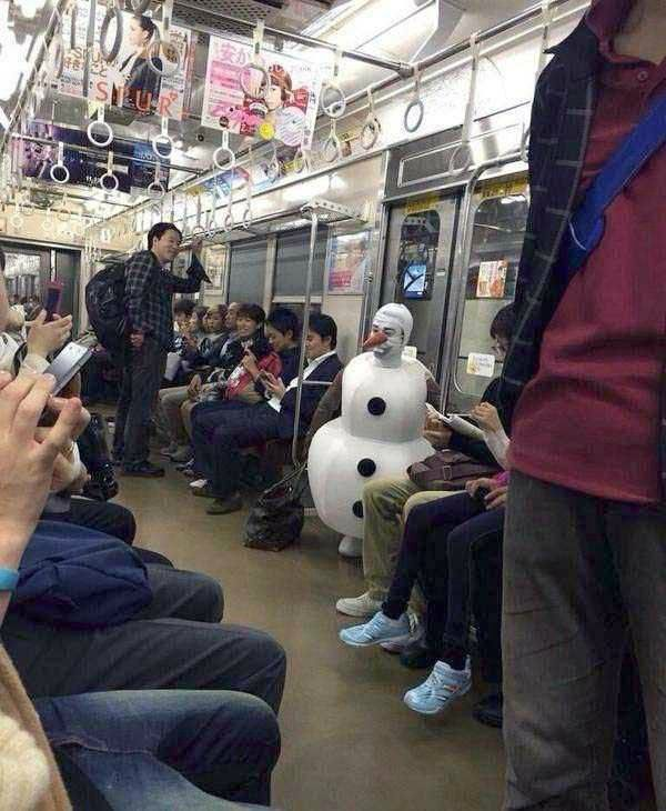 weird_people_in_Train16
