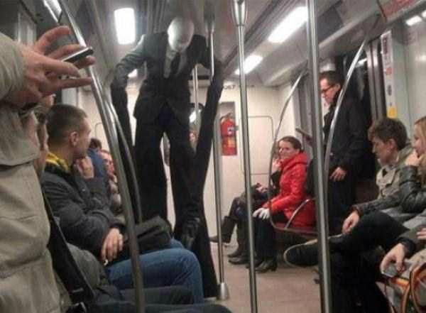 weird_people_in_Train27