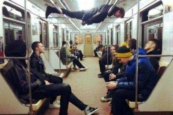 weird_people_in_Train31